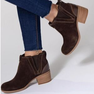 Clark's Maypearl Suede Daisy Bootie Ankle Boot 7